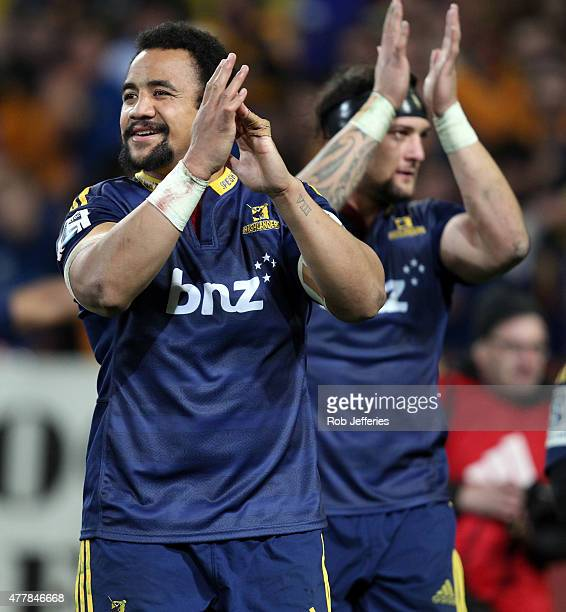 Nasi Manu of the Highlanders shows his appreciation for their supporters after victory over the Chiefs during the Super Rugby Qualifying Final match...