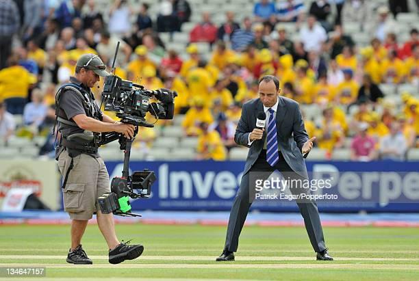 Nasser Hussain broadcasting on BSkyB TV, England v Australia, 3rd Test, Edgbaston, Jul 09.