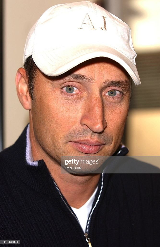 "Nasser Hussain Instore Appearance for his Autobiography ""Playing With Fire"" at"