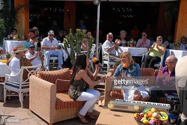 Nastassja Andrea Kiewel Dieter Falk Touristen ZDFShow Die Frühlingsshow Yachthafen Marina Rubic—n Lanis Grill Playa Blanca Insel Lanzarote Kanarische...