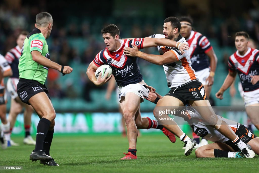 NRL Rd 8 - Roosters v Tigers : News Photo