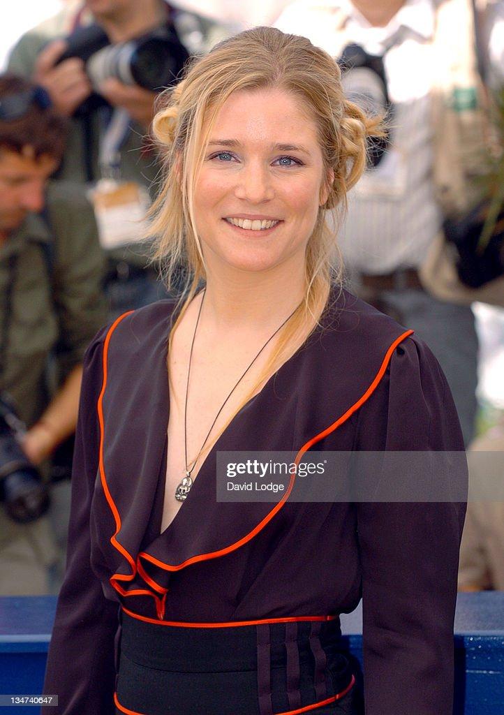 """2006 Cannes Film Festival - """"La Raison du Plus Faible"""" Photocall"""