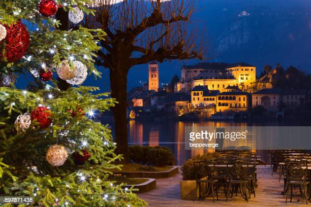 natale a orta san giulio - mere noel stock pictures, royalty-free photos & images