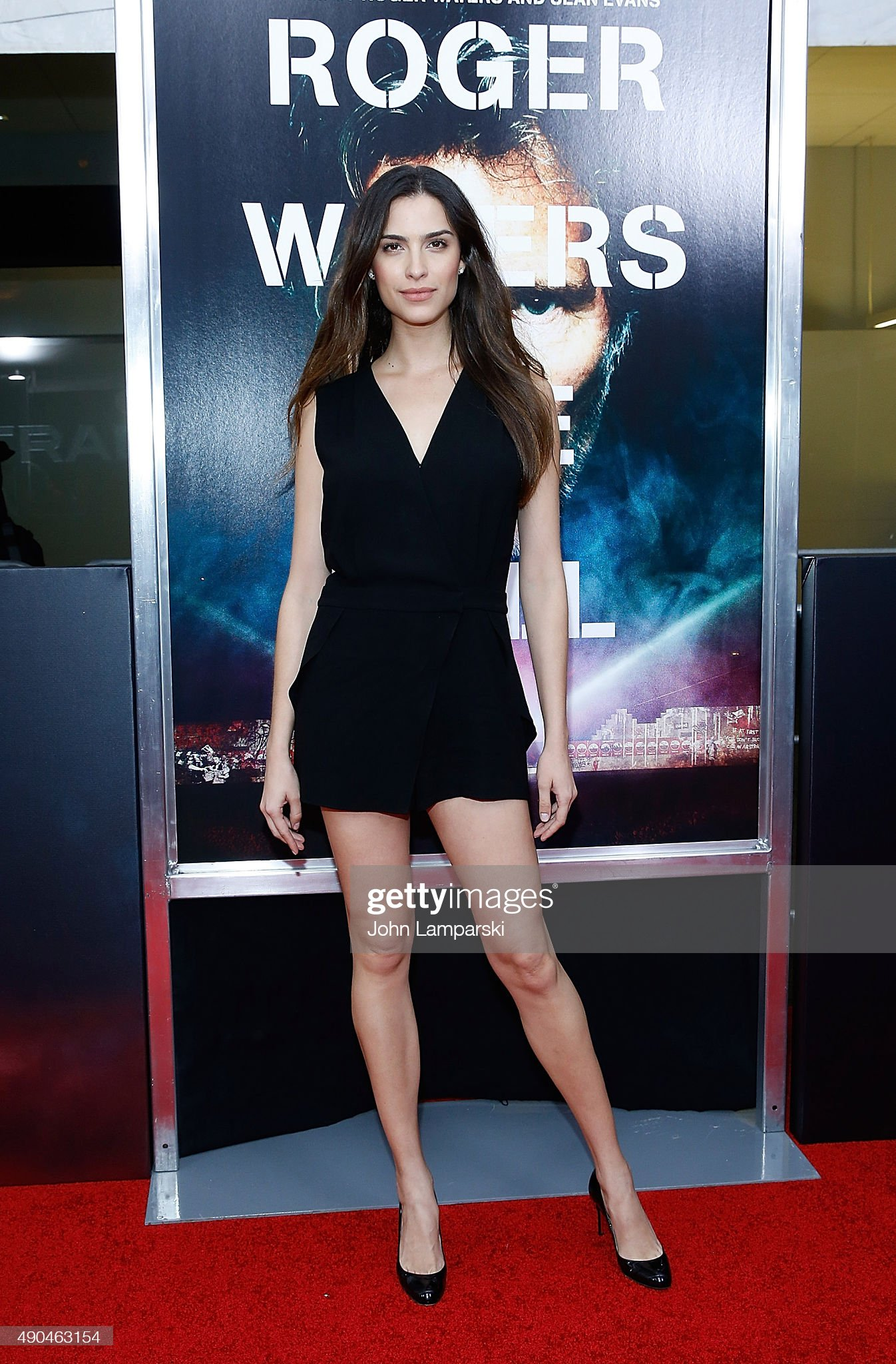 ¿Cuánto mide Natalia Beber? - Altura - Real height Natalia-beber-attends-roger-waters-the-wall-new-york-premiere-at-on-picture-id490463154?s=2048x2048