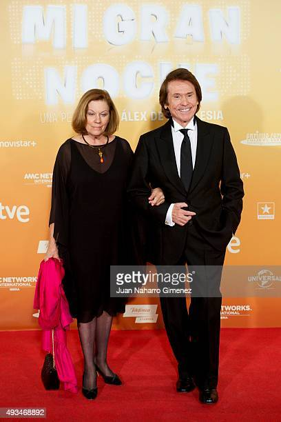 Natalia Figueroa and Raphael attend 'Mi Gran Noche' premiere at Kinepolis Cinema on October 20 2015 in Madrid Spain