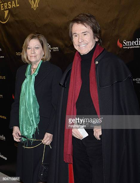 Natalia Figueroa and Raphael attend Miguel Poveda's concert at the Compac Gran Via Theater on January 12 2016 in Madrid Spain