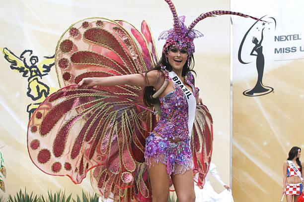 Natalia Guimaraes Miss Universe Brazil 2007 wearing national costume
