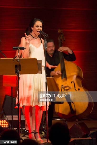 Natalia Klitschko - die Saengerin, ehemaliges Model und Ehefrau von Vitali Klitschko bei einem Konzert in der Hamburger Laeiszhalle, Musikhalle....