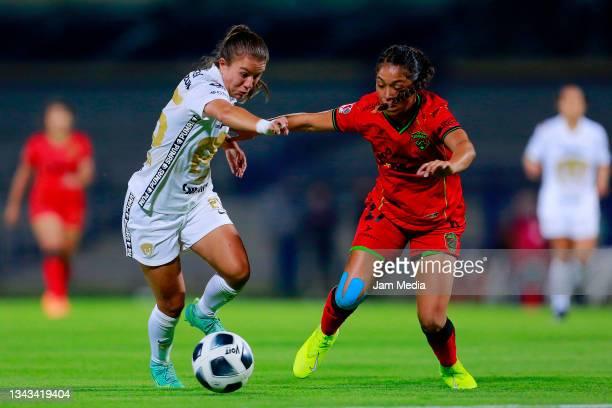 Natalia Macias of Pumas fights for the ball with Sahiry Cruz of Juarez during a match between Pumas and Juarez as part of the Torneo Grita Mexico A21...