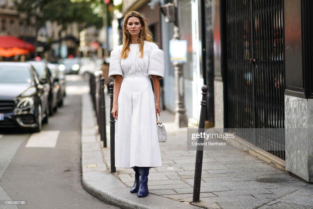 Street Style At Paris Fashion Week - Womenswear Spring Summer 2021 : Day Seven : News Photo