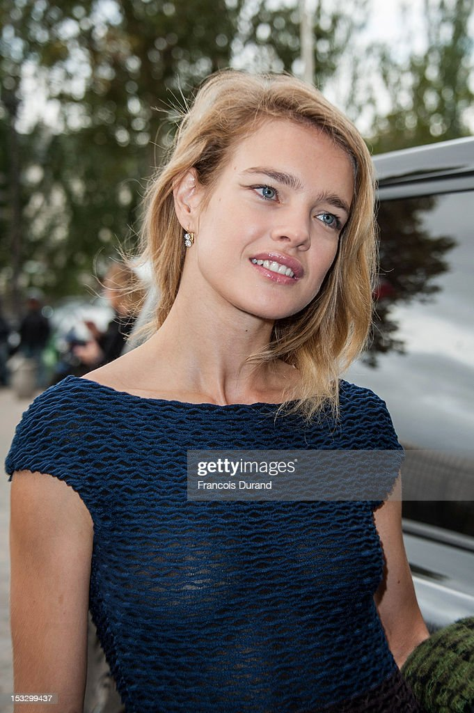 Natalia Vodianova arrives at the Louis Vuitton Spring/Summer 2013 show as part of Paris Fashion Week on October 3, 2012 in Paris, France.
