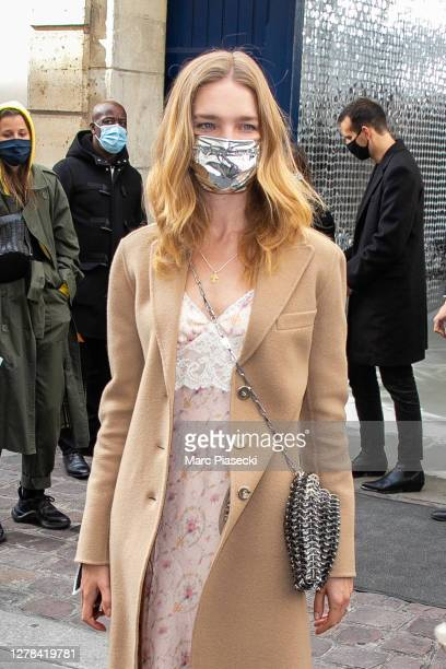 Natalia Vodianova arrives to attend the Paco Rabanne Womenswear Spring/Summer 2021 show as part of Paris Fashion Week on October 04, 2020 in Paris,...