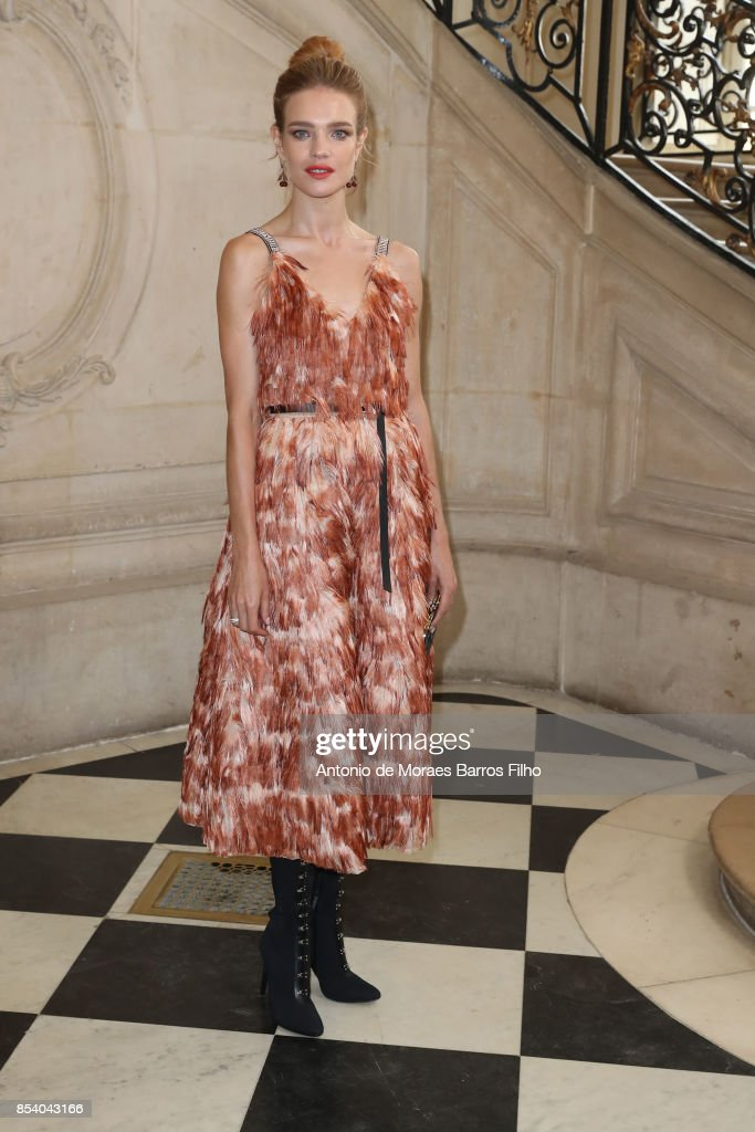Natalia Vodianova attends the Christian Dior show as part of the Paris Fashion Week Womenswear Spring/Summer 2018 on September 26, 2017 in Paris, France.