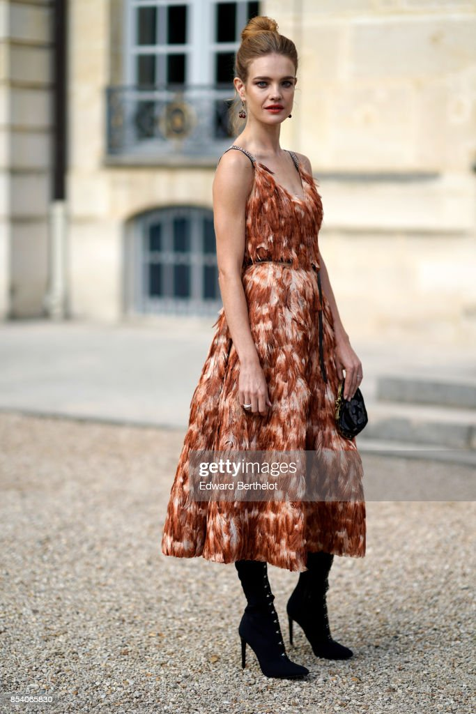 Christian Dior : Outside Arrivals  - Paris Fashion Week Womenswear Spring/Summer 2018