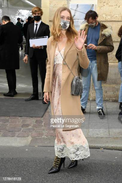 Natalia Vodianova attends the Paco Rabanne Womenswear Spring/Summer 2021 show as part of Paris Fashion Week on October 04, 2020 in Paris, France.