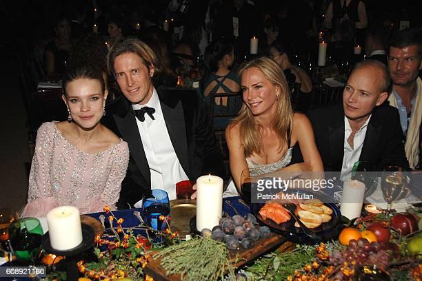 Natalia Vodianova Bruce Hoeksema Valesca GuerrandHermes and Justin Portman attend CFDA/Vogue 7th ON SALE 2007 Gala at 69th Regiment Armory on...