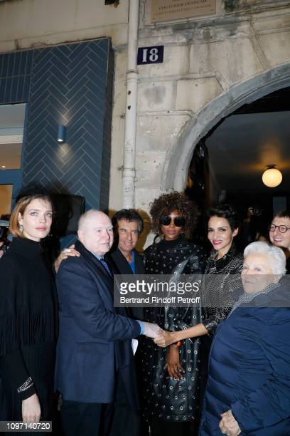 Natalia Vodianova Christophe Von Weyhe Jack Lang Naomi Campbell Farida Khelfa and a guest attend the Tribute To Azzedine Alaia as part of Paris...