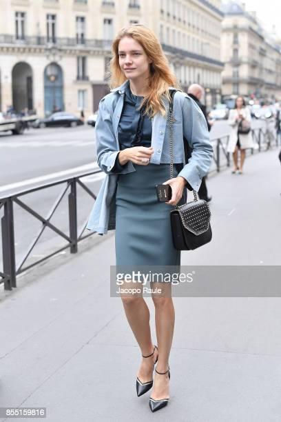 Natalia Vodianova is seen arriving at Balmain fashion show during the Paris Fashion Week Womenswear Spring/Summer 2018 on September 28 2017 in Paris...