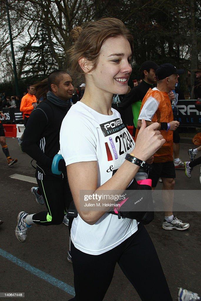 Natalia Vodianova Runs Paris Semi-Marathon 2012 for Naked