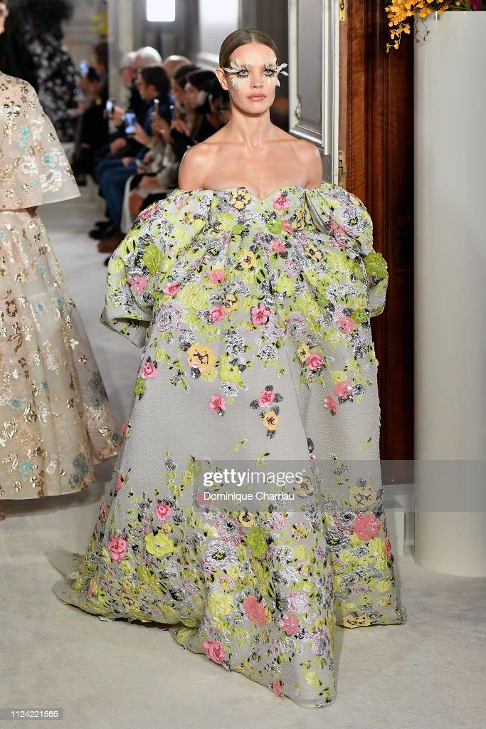 Valentino : Runway - Paris Fashion Week - Haute Couture Spring Summer 2019 : Photo d'actualité