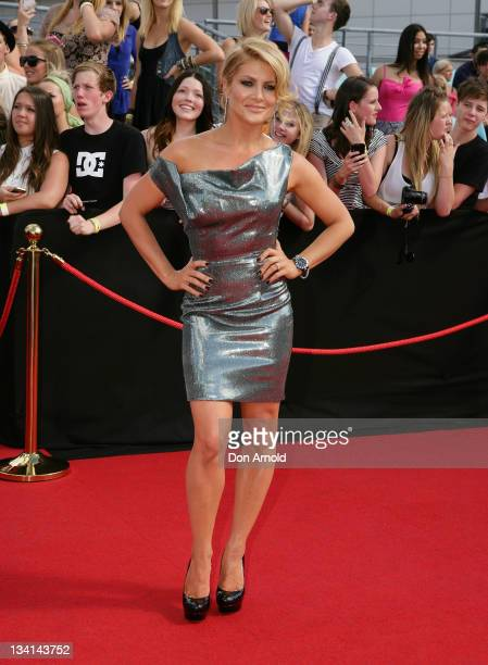 Natalie Bassingthwaighte arrives at the 2011 ARIA Awards at Allphones Arena on November 27 2011 in Sydney Australia