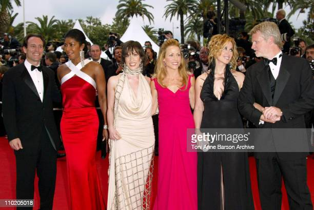 Natalie Cole Alanis Morissette Sheryl Crow Lara Fabian and other cast members of 'DeLovely'