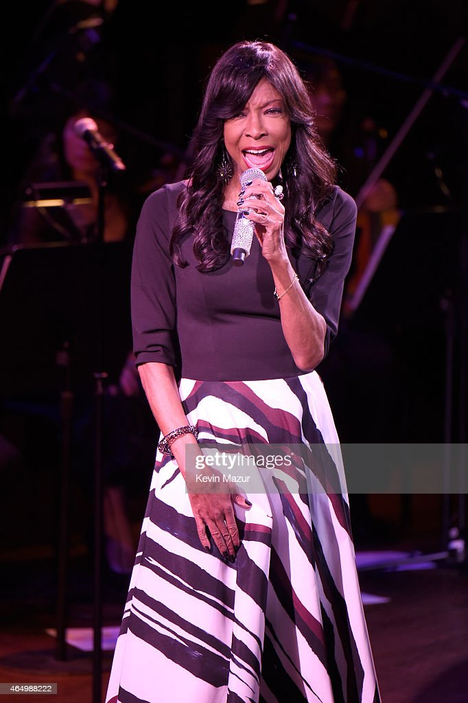 Natalie Cole performs onstage during SeriousFun Children's Network 2015 New York Gala: An Evening Of SeriousFun Celebrating the Legacy Of Paul Newman at Avery Fisher Hall at Lincoln Center for the Performing Arts on March 2, 2015 in New York City.