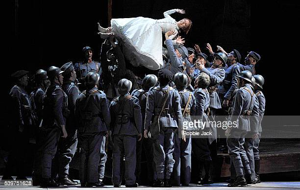 regiment natalie dessay Of all of the metropolitan opera's new productions this season, la fille du régiment (the daughter of the regiment), which opened monday night, was the hottest ticket donizetti's opera is a.