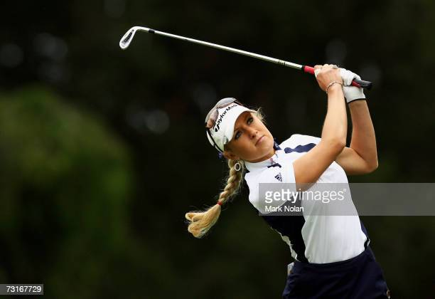 Natalie Gulbis of the USA plays a shot during day one of the 2007 MFS Womens Australian Open at The Royal Sydney Golf Club February 1, 2007 in...