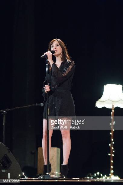 Natalie Imbruglia performs at Le Trianon on May 19 2017 in Paris France
