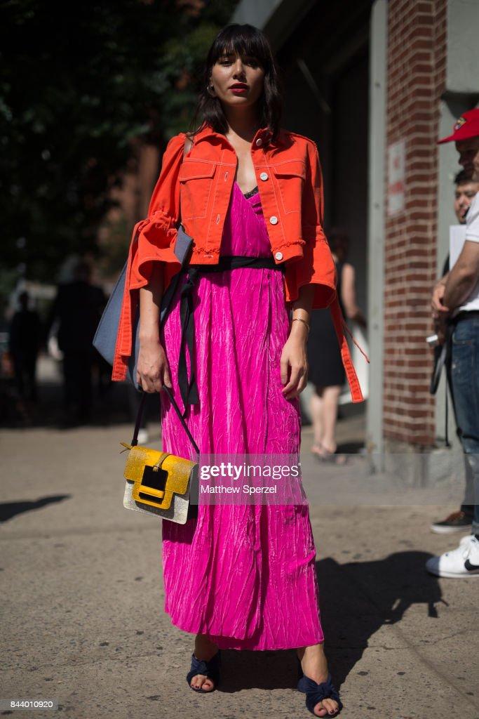 New York Fashion Week - Street Style - Day 1 : News Photo