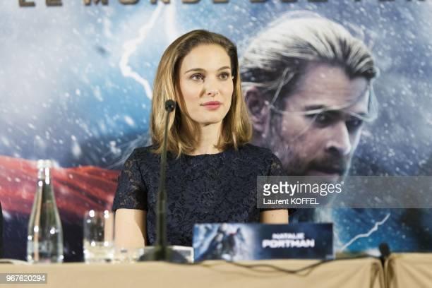 Natalie Portman assiste a la conference de presse du film 'Thor le monde des tenebres' le 24 octobre 2013 a l'hotel Park Hyatt Vendome Paris France