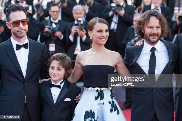 Natalie Portman lors de la montée des marches pour la première du film 'Mia Madre' durant le 68eme Festival du Film au Palais des Festivals le 16 mai...