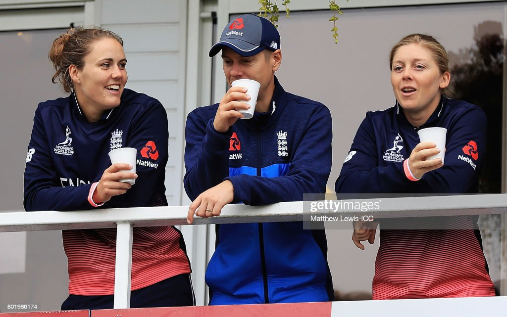 Natalie Sciver and Heather Knight of England look on, as rain stops play during the ICC Women's World Cup 2017 match between England and Pakistan at Grace Road on June 27, 2017 in Leicester, England.