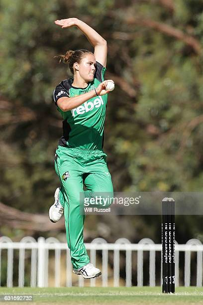 Natalie Sciver of the Stars bowls during the Women's Big Bash League match between the Adelaide Strikers and the Melbourne Stars at Lilac Hill on...