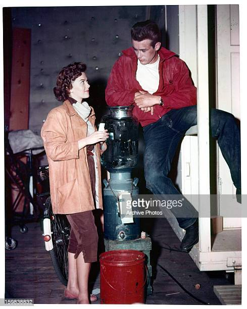 Natalie Wood talks with James Dean on set of the film 'Rebel Without A Cause' 1955