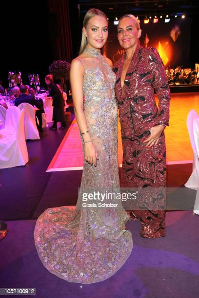 Natascha Ochsenknecht and her daughter Cheyenne Savannah Ochsenknecht during the Leipzig Opera Ball Ahoj Cesko on October 13 2018 in Leipzig Germany