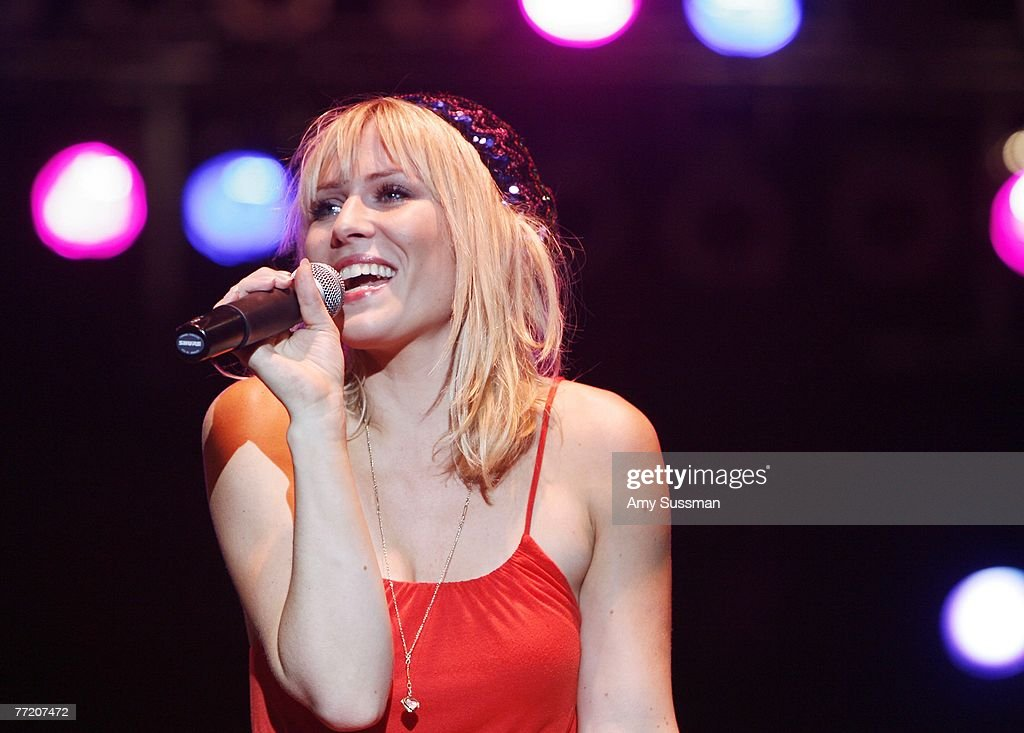 Natasha Bedingfield performs at the third night of the Bermuda Music Festival at the National Sports Center on October 5, 2007 in Bermuda.