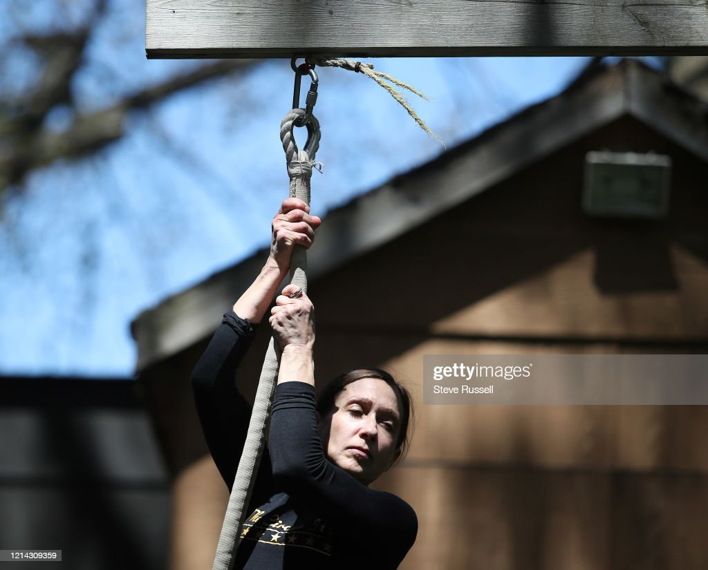 as the Toronto arts community is thrown into chaos as Torontonians are encouraged to maintain physical distance to slow the spread of COVID-19 : News Photo