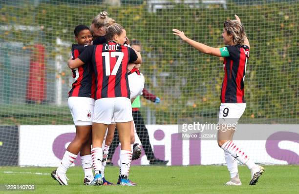 Natasha Dowie of AC Milan celebrates with her team-mates after scoring the opening goal during the Women Serie A match between AC Milan and FC...