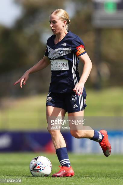 Natasha Dowie of Melbourne Victory runs with the ball during the W-League Semi Final match between the Melbourne Victory and Sydney FC at Epping...