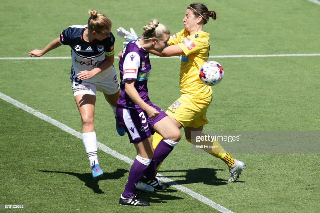 Natasha Dowie of the Victory heads a goal during the round four W-League match between Perth Glory and Melbourne Victory at nib Stadium on November 19, 2017 in Perth, Australia.