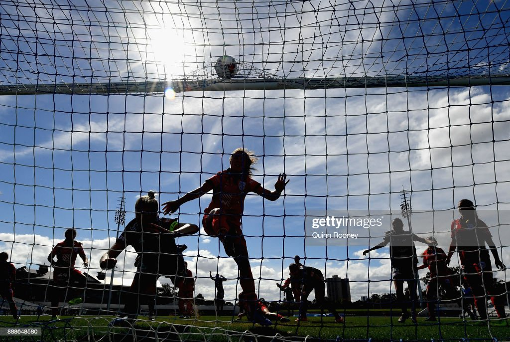 Natasha Dowie of the Victory scores a goal during the round seven W-League match between the Melbourne Victory and Adelaide United at Lakeside Stadium on December 9, 2017 in Melbourne, Australia.