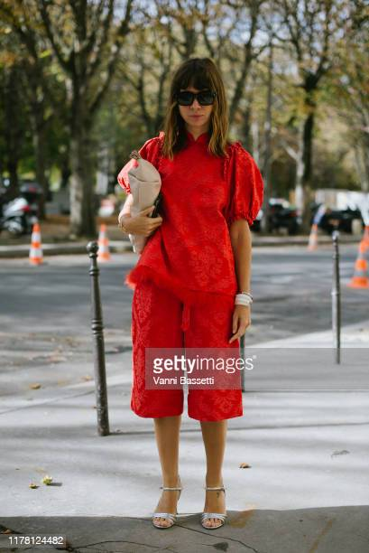 Natasha Goldenberg poses after the Sacai show at the Grand Palais during Paris Fashion Week Womenswear Spring Summer 2020 on September 30 2019 in...