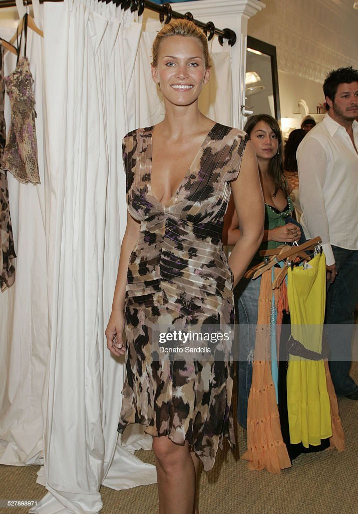 Lisa Rinna and Harry Hamlin Celebrate the Opening of the Second belle gray Boutique - Inside : News Photo