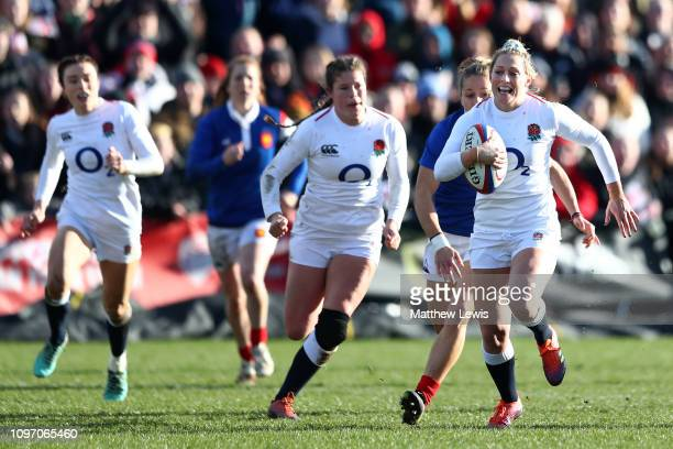 Natasha Hunt of England breaks with the ball during the Women's Six Nations match between England and France at Castle Park Donnybrook on February 10...