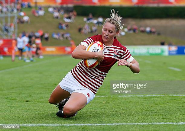 Natasha Hunt of England dives across the line to score a try during the IRB Women's Rugby World Cup Pool A match between England and Samoa at the...