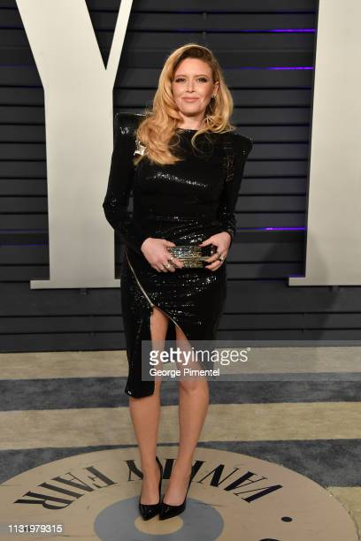 Natasha Lyonne attends the 2019 Vanity Fair Oscar Party hosted by Radhika Jones at Wallis Annenberg Center for the Performing Arts on February 24...