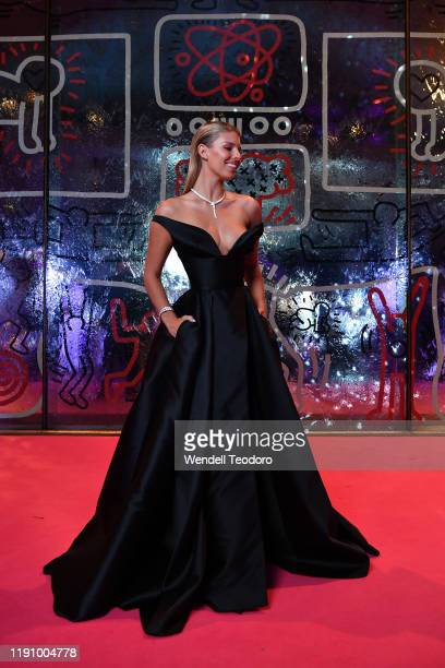 Natasha Oakley attends the NGV Gala 2019 at the National Gallery of Victoria on November 30 2019 in Melbourne Australia