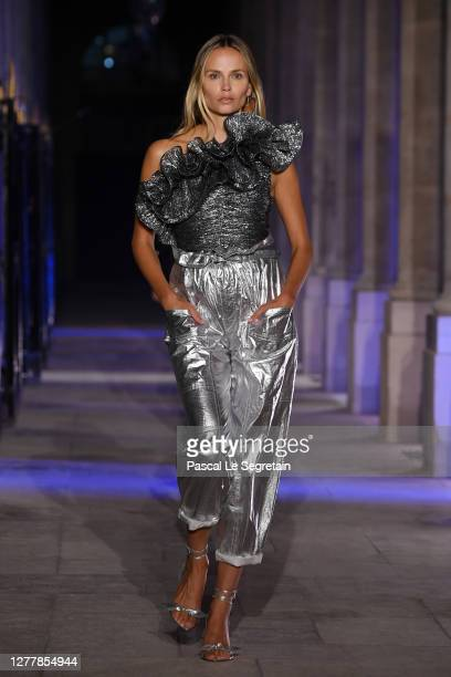 Natasha Poly walks the runway during the Isabel Marant Womenswear Spring/Summer 2021 show as part of Paris Fashion Week on October 01, 2020 in Paris,...